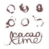 Set kleksy plamy od filiżanki z inskrypcją kakaowy czas royalty ilustracja