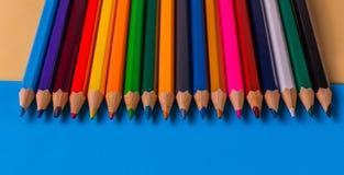 Set kolorów ołówki na kolorowym tle Obraz Royalty Free