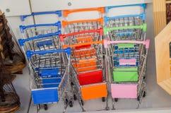 Set kolorowi wózek na zakupy Zdjęcia Stock