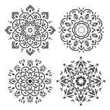 Set kreskowi okregów ornamenty w wektorze, odosobniony czerń na bielu ilustracji