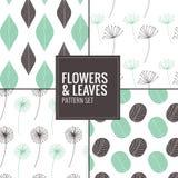 Set kwiaty, liście deseniuje - wektorową ilustrację Zdjęcia Royalty Free