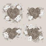 Set kwiecista wektorowa projekt rama z dużym sercem Liniowe róże, eukaliptus, jagody, opuszczają witn bielu sylwetkę Ręka ilustracja wektor