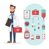 Set lekarki trzyma pierwsza pomoc pudełkowatych charaktery z medycznym ele Obraz Royalty Free