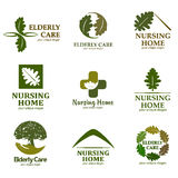 Set logowie z tekstem Starszej osoby opieka Logo dla karmiącego domu Zdjęcia Royalty Free