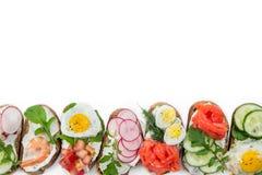 Set mini kanapki odizolowywać na bielu obraz stock
