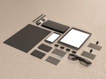 Set mockup elementy na drewno stole Mockup biznesu szablon Zdjęcie Stock