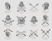 Set monochromatyczni rycerzy emblematy, odznaki, etykietki i loga średniowieczny hełm, kordziki, buława, kindżały osłania antyka ilustracja wektor