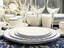 Set naczynia na stole Zdjęcia Stock