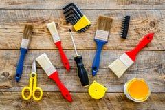 Set narzędzia dla budowy, farby i naprawy domu na drewnianym tło odgórnego widoku wzorze, Obraz Stock