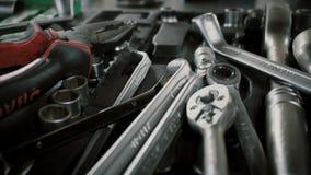 Set narzędzia dla naprawa Demontującego samochodu przy samochód usługa zbiory wideo