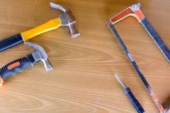 Set narzędzia nad drewnianym panelem z przestrzenią dla teksta, set constr Zdjęcie Stock
