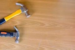Set narzędzia nad drewnianym panelem z przestrzenią dla teksta, set constr Obraz Stock