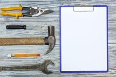 Set narzędzia na drewnianym tle, copyspace Obrazy Stock