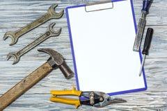 Set narzędzia na drewnianym tle, copyspace Zdjęcie Stock