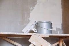 Set narzędzie, szpachelka i wiadro tynk kielni, Fotografia Royalty Free
