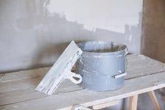 Set narzędzie, szpachelka i wiadro tynk kielni, Zdjęcia Royalty Free