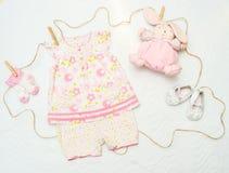 Set odziewa dla nowonarodzonego dziecka Pojęcie Fotografia Stock