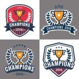Set odznaki, emblemat i logowie dla mistrza, bawi się liga z trofeum ilustracji