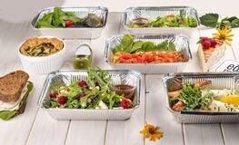 Free Set Of Diet Dishes In Containers On A Light Wooden Background. Takeaway. Diet And Healthy Food Royalty Free Stock Photo - 178592905