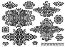 Set ornamentacyjny kwiecisty przybranie, czerń i ilustracja wektor