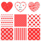 Set pociągany ręcznie tekstury serce kształtuje i romantyczny wzór ilustracji