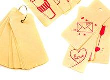 Set przetwarzać etykietek etykietki wiązać z metalu pierścionkiem notepad odizolowywający na białym tle z rozrzuconymi etykietkam Zdjęcie Royalty Free