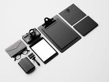Set puści klasyczni elementy na białym stole Zdjęcie Stock