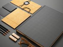 Set puści elementy na zmroku papieru tle Obrazy Stock