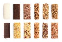 Set różni słodcy proteina bary na białym, odgórnym widoku, obrazy stock