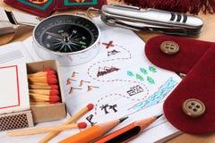 Set różnorodny campingowy wyposażenie Zdjęcie Stock
