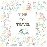 Set ręki rysować nakreślenia wyposażenia campingowe ikony i symbole również zwrócić corel ilustracji wektora Obrazy Stock