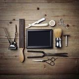Set roczników narzędzia fryzjera męskiego sklep z czarną obrazek ramą Zdjęcia Stock