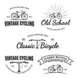 Set rocznik drogowe rowerowe etykietki, emblematy, odznaki lub logowie, ilustracja wektor