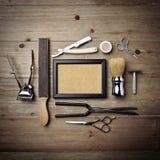 Set rocznika fryzjera męskiego sklepu narzędzia z obrazek ramą Zdjęcia Royalty Free
