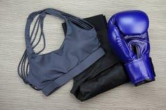 Set sport odzież dla boksować ćwiczenia szkolenie, Gym modę i akcesoria, Fotografia Stock