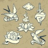Set stara szkoła tatuażu elementy z czaszkami Zdjęcia Stock