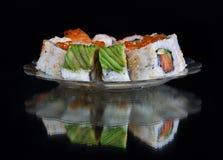 set sushi för svart platta Royaltyfri Bild