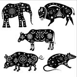 Set sylwetki zwierzęta z wzorami Słoń, bizon Obraz Stock