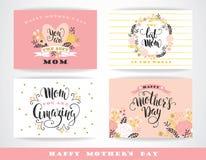 Set Szczęśliwi matka dnia literowania kartka z pozdrowieniami z kwiatami Obrazy Stock