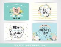 Set Szczęśliwi matka dnia literowania kartka z pozdrowieniami z kwiatami Zdjęcie Stock