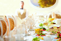 Set table in luxury restaurant Royalty Free Stock Photography