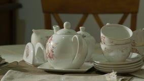 set tea för antikt porslin stock video