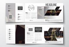 Set trifold broszurki, kwadratowi projektów szablony Ciemny poligonalny tło, zamazany wizerunek, nocy miasta krajobraz Zdjęcie Royalty Free