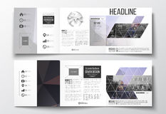 Set trifold broszurki, kwadratowi projektów szablony Poligonalny tło, zamazany wizerunek, miastowy krajobraz, nowożytny elegancki Fotografia Royalty Free