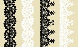 Set trykotowa koronki granica: 2 czarny i 2 biały bezszwowy wzór odizolowywający na beżowym tle Fotografia Royalty Free
