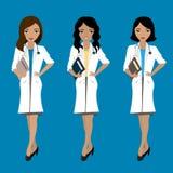 Set trzy ślicznej kobiety lekarki, azjata i europejczyk, ściga się ilustracja wektor