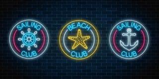 Set trzy jarzą się neonowego znaka żeglowanie klub i plaża klub Lato czasu wolnego klubu emblemat w okrąg ramach ilustracji