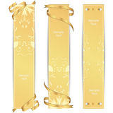 Set trzy VIP złocisty pionowo sztandar z złocistymi faborkami Zdjęcie Stock