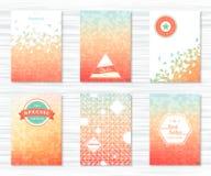Set ulotki z geometrycznymi wzorami, ikony w roczniku projektuje Fotografia Royalty Free