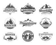 Set wektorowa góra i plenerowy przygoda logo ilustracji